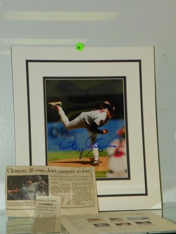 Image of ROGER CLEMENS SIGNED BASEBALL PHOTOGRAPH